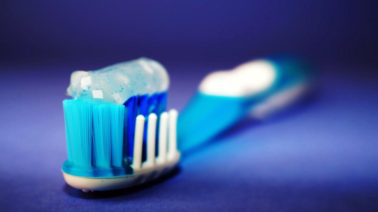 toorhbrush and toohpaste